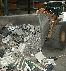 Lixo electrónico. (Foto de Volker Thies para a  Wikipedia CC BY-SA 3.0).
